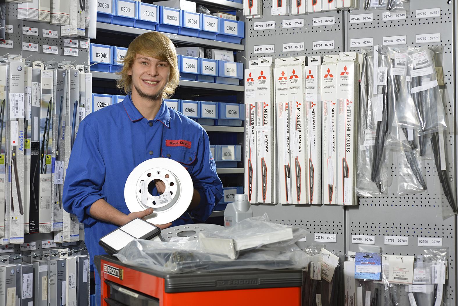 Einzelhandelskauffrau Einzelhandelskaufmann Kraftfahrzeuge Und