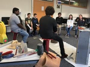 Material und Aufgaben kennenlernen beim Firmentag an der Mittelschule Thüringen