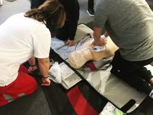 Erste Hilfe Kurs des Österreichischen Roten Kreuzes mit der Lehre im Walgau